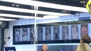 Big Brother 2016 - Water leaks in to lounge as rain floods the house
