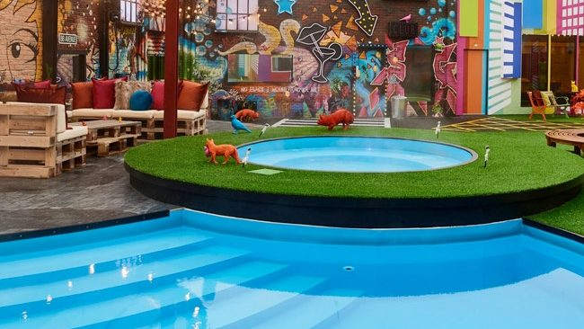 Celebrity Big Brother 2017 All Stars/New Stars house pictures - garden
