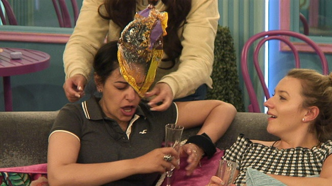 Big Brother 2017 - Sukhvinder Javeed accuses Chanelle McCleary of trying to suffocate her in plastic bag argument